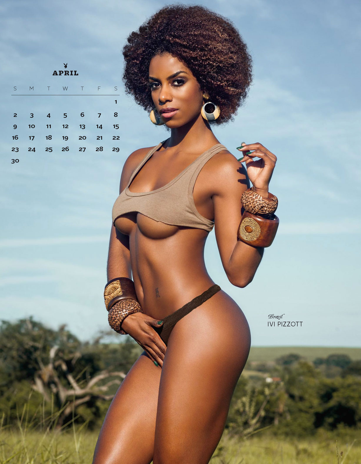 Playboy USA 2017 Official Calendar - Playmates Around the World - Ivi Pizzott | Brasil