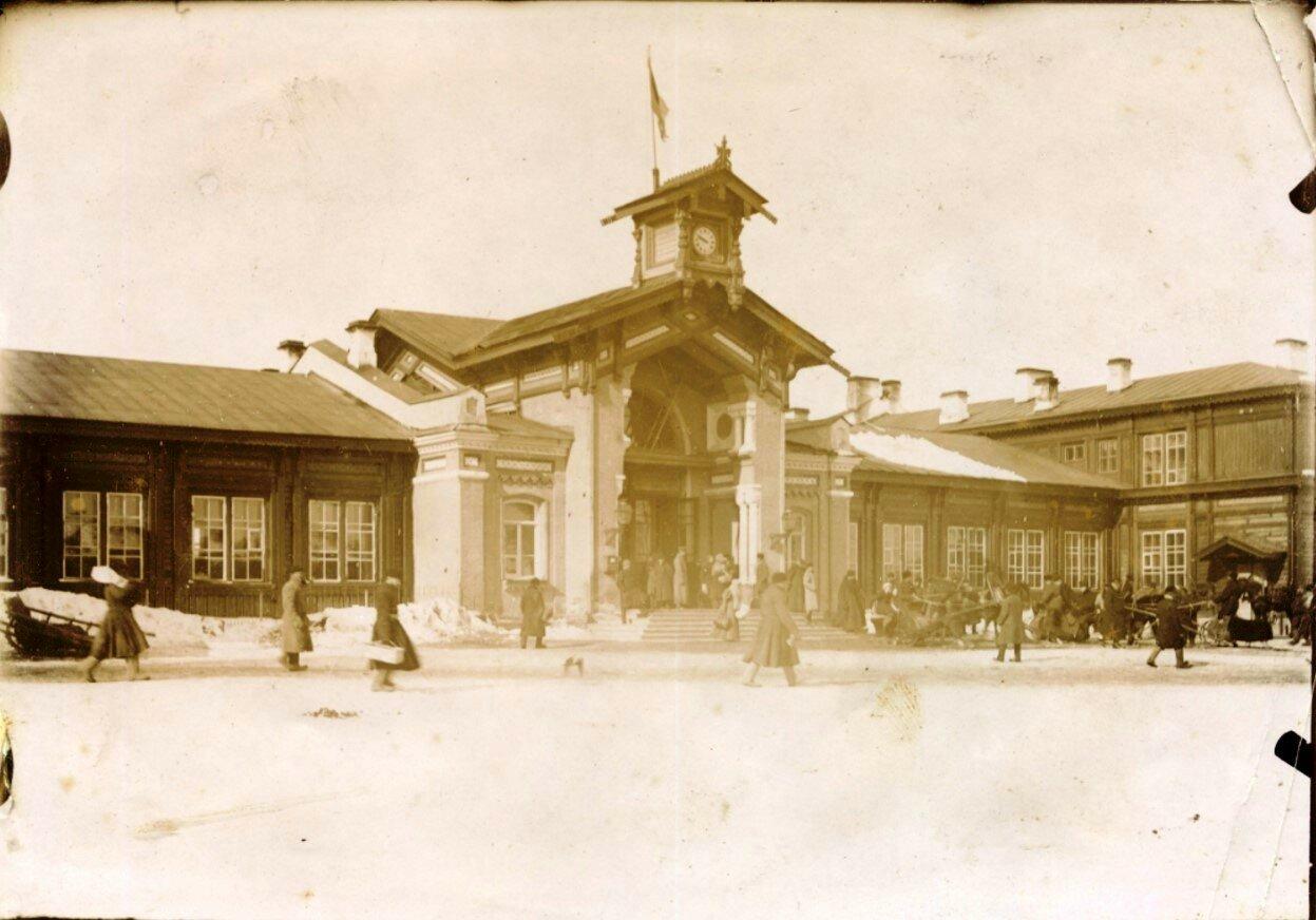 Здание старого рыбинского вокзала