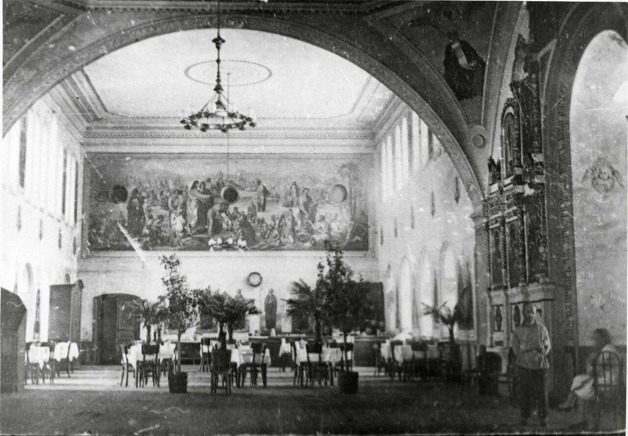 Рыбинск. Ресторан в Спасо-Преображенской церкви