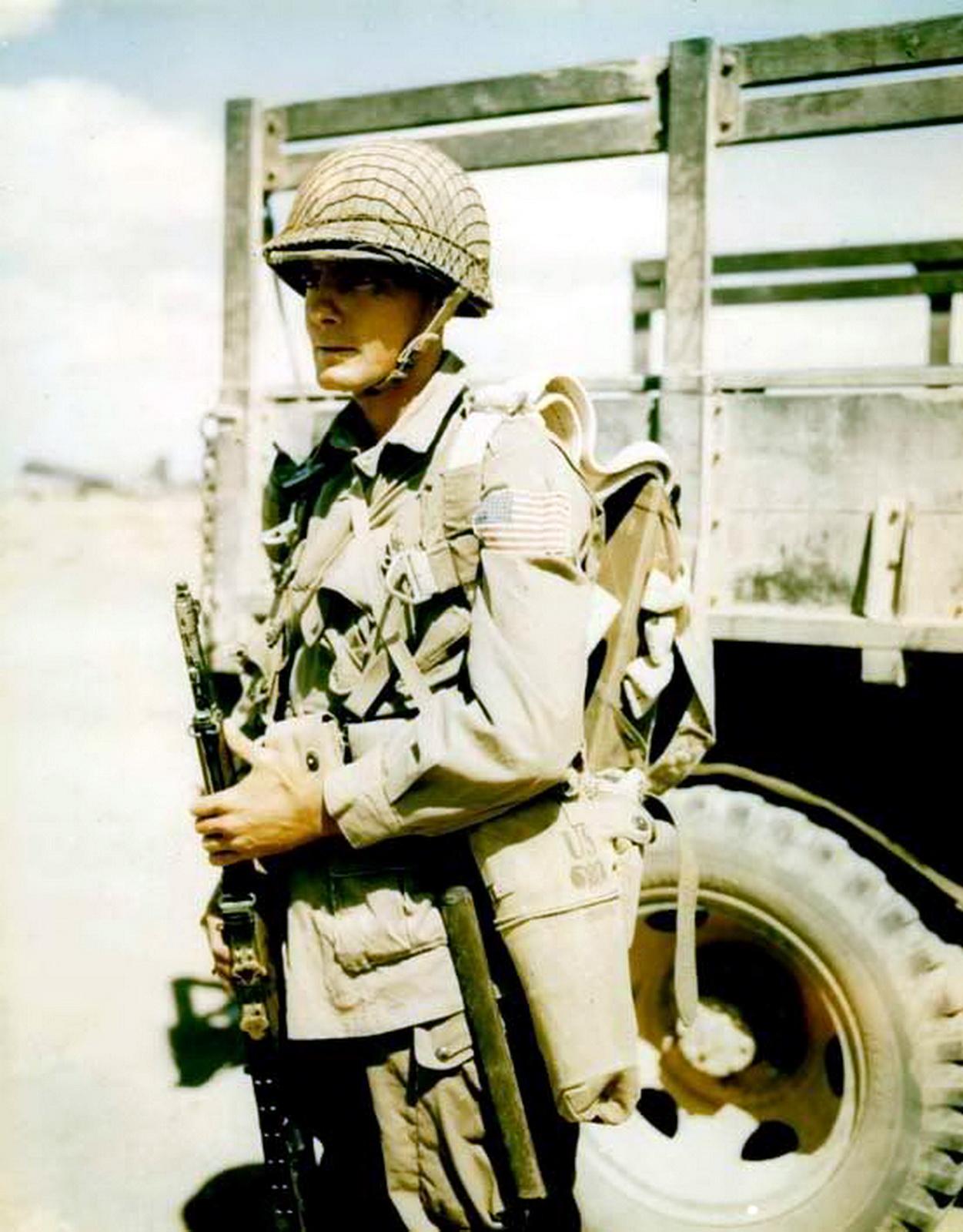 82ndairbornetrooperloadingforsal-4.jpg