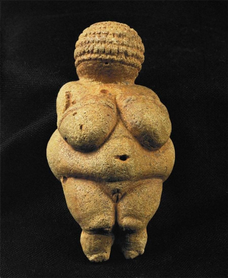 4. Самая древняя статуэтка, изображающая человека Возраст найденной в Германии статуэтки составляет