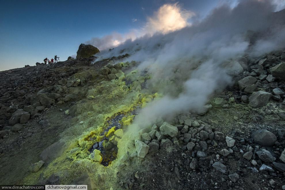 4. Выход вулканического газа через фумаролы является поствулканическим явлением и свидетельству