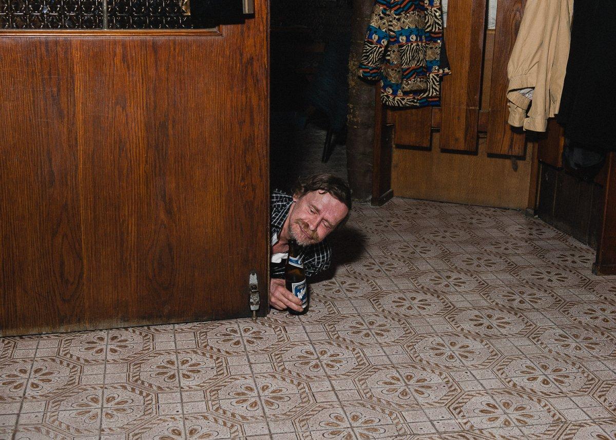 На дне: исчезающие венские забегаловки для городских бедняков (12 фото)