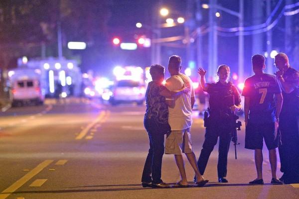 Вподдержку жертв стрельбы вОрландо собрано неменее млн долларов