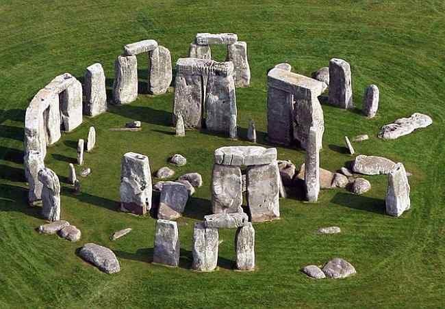 ВБритании археологи нашли гигантский деревянный Стоунхендж