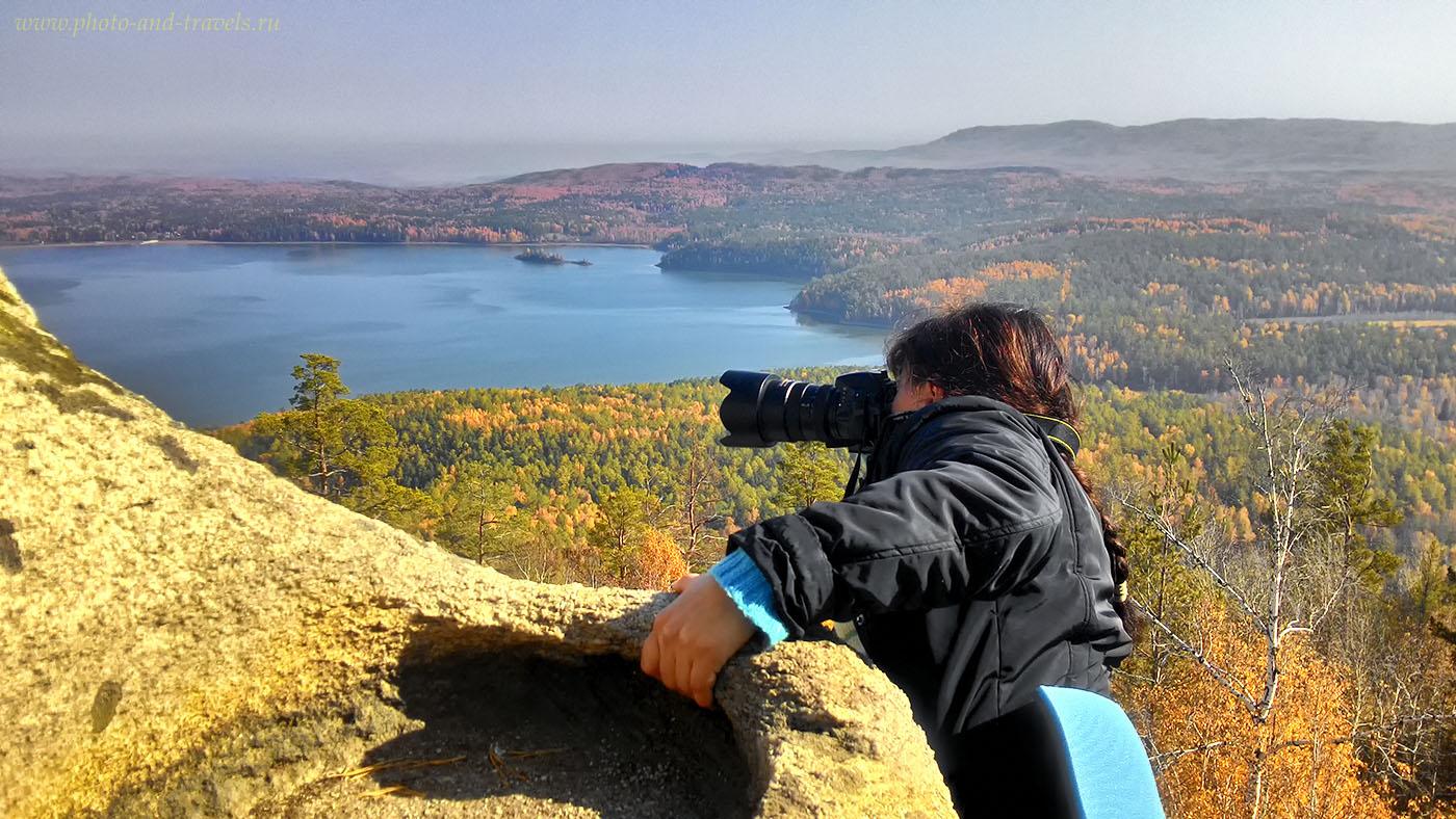 1. Аракульский Шихан. Вот так, рискуя жизнь, на высоте 80 метров над землей, делаются лучшие кадры. Фото снято на смартфон.