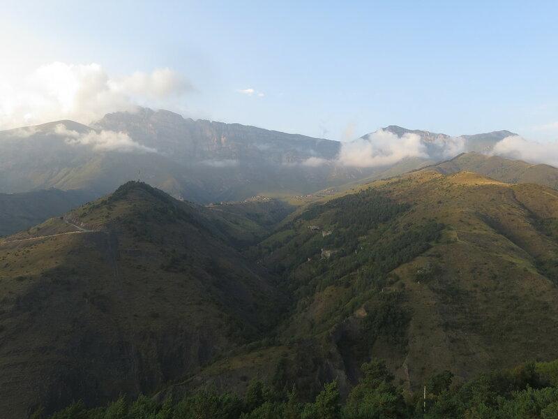 Вид на Столовую горы из окна нашего номера
