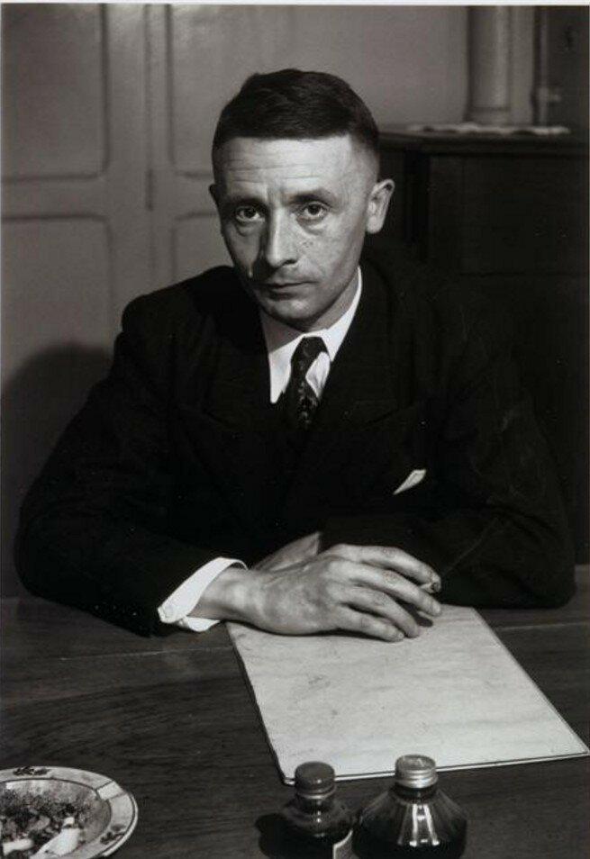 1949. Жюльен Грак (писатель)