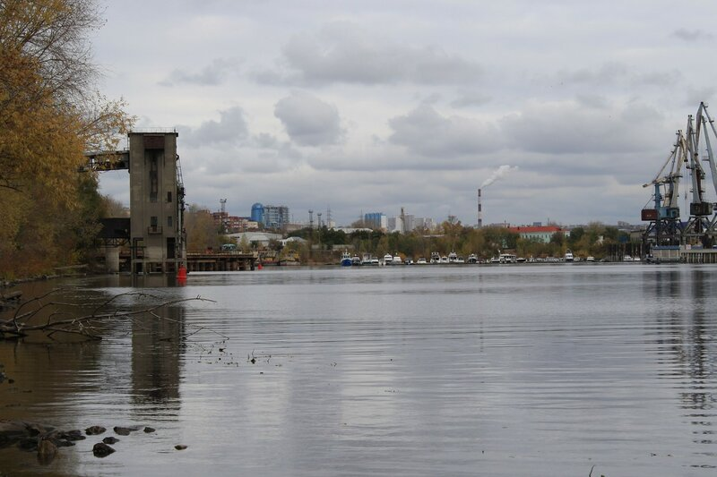Изолятор №1 и мост 336.JPG