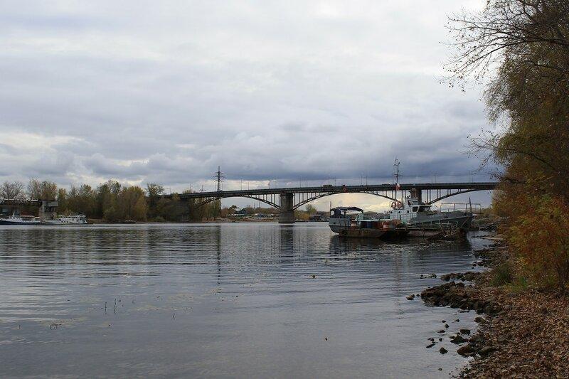 Изолятор №1 и мост 323.JPG