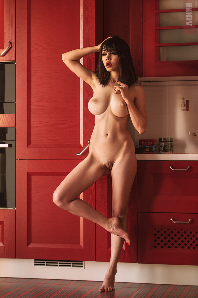 Room 364 / фото Сергей ЛЕНИН модель Лада Брик