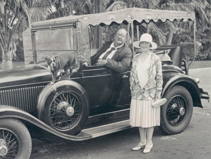 После смерти матери Нэд практически сразу женился и увлекся автомобильной промышленностью. Конечно,