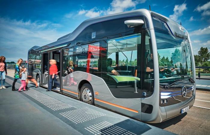 Mercedes-Benz продемонстрировал беспилотный автобус завтрашнего дня (8 фото)