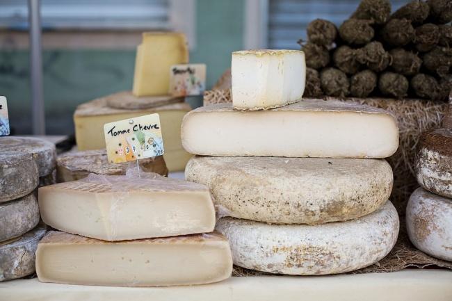 Сыр камамбер Камамбер следует есть как можно ближе к дате истечения срока годности, но никак не посл