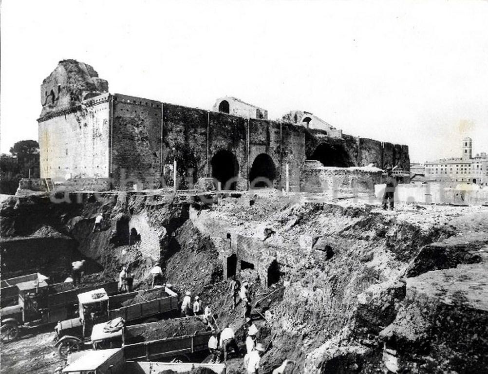 Откопанный Рим. Фотографии.