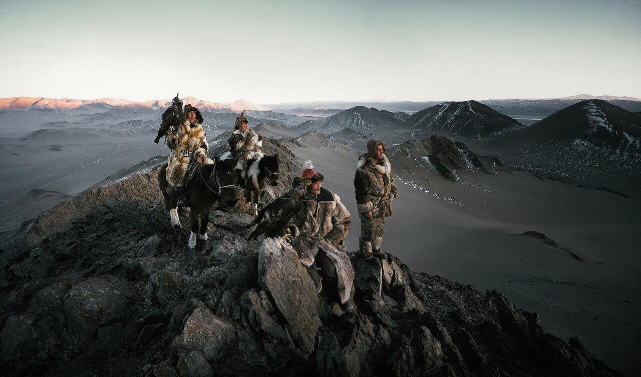 льет как завораживающие фото казахов живущих в монголии листочки