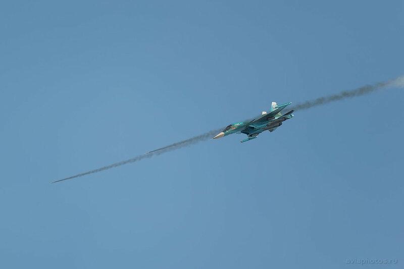 Сухой Су-34 (RF-95857 / 42 красный) ВКС России 1830_D806224