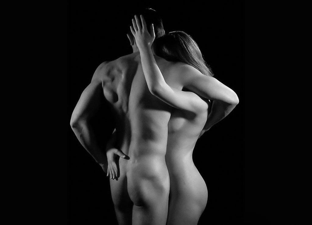 позирование голых мужчин и женщин фото