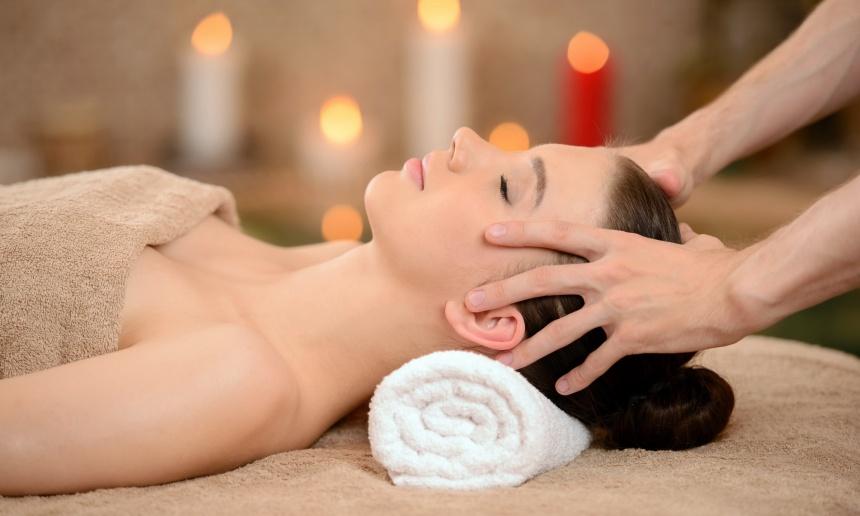 Для того, чтобы добиться максимального эффекта после массажа головы следует перейти к шее. Движения
