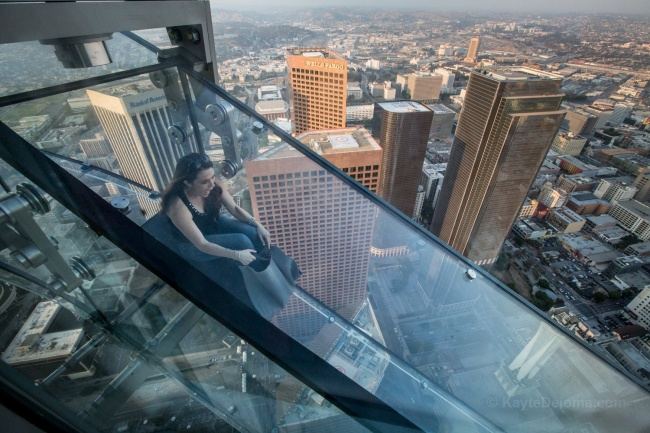 © twitter  Горка полностью прозрачная ипроходит снаружи здания науровне 70-го и69-го этажей