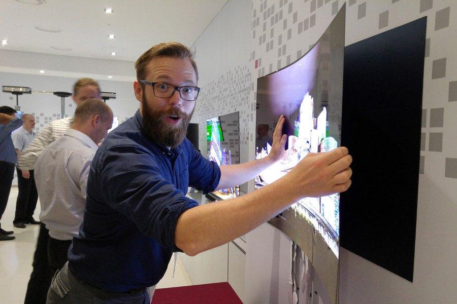Сверхтонкий телевизорLG Wallpaper OLEDTV появится вбудущем году