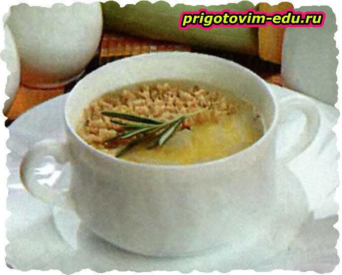 Крем-суп с орешками