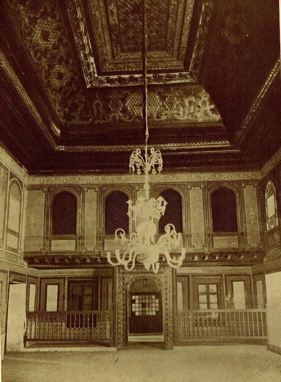 Зала Суда и двери.1742