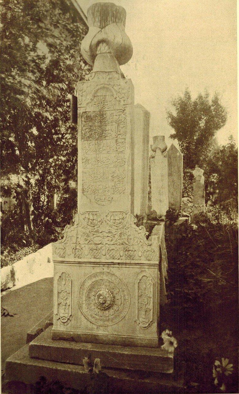 Надгробный памятник Крым-Гирей-Хана.1769