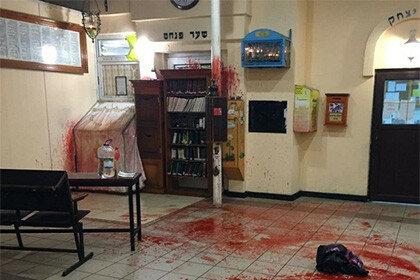 Осквернили в Умани синагогу, оставив голову свиньи со свастикой