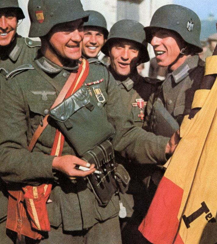 1941 Member of 250 Infanterie-Division Azul spanish.jpg