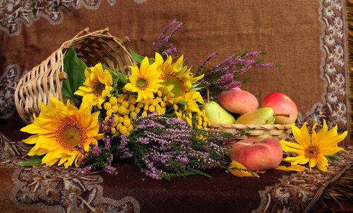 подсолнухи,вереск,фрукты
