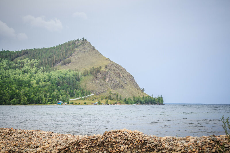 Бухты и скалистый берег Байкала