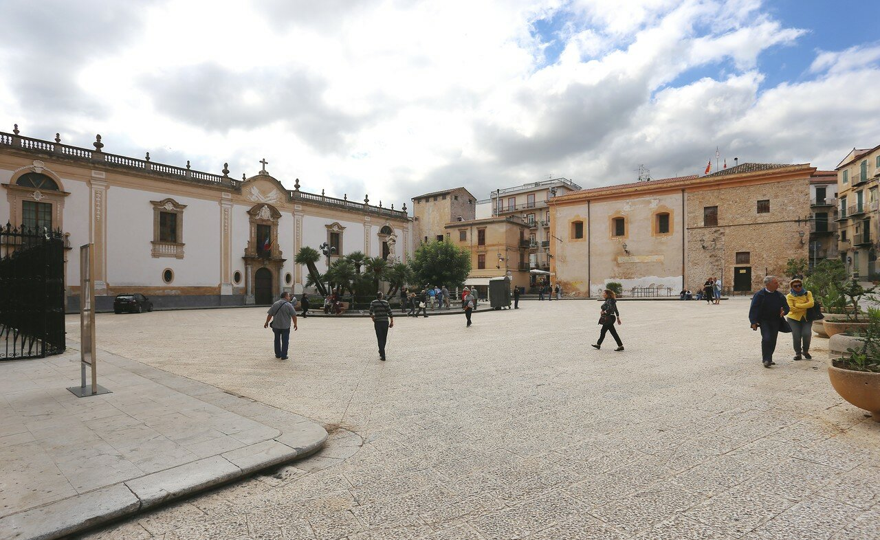 Piazza Guglielmo II, Monreale