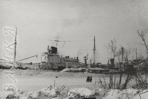 18 ЭОН 66 1956-57 Пантелеиха зимовка 2 копия.jpg