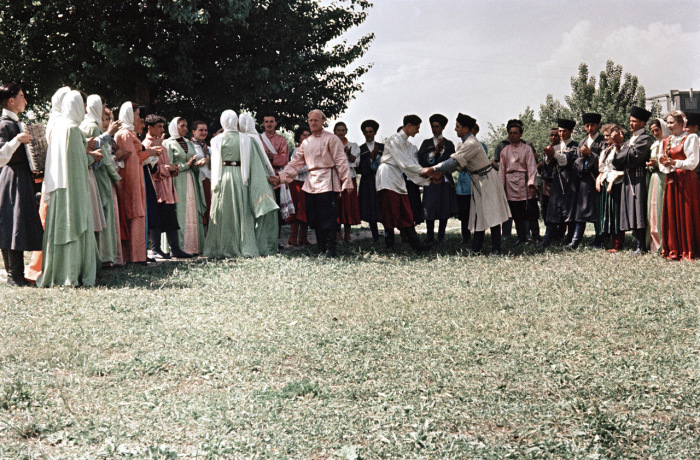 Традиционные танцы в Кабардино-Балкарии.