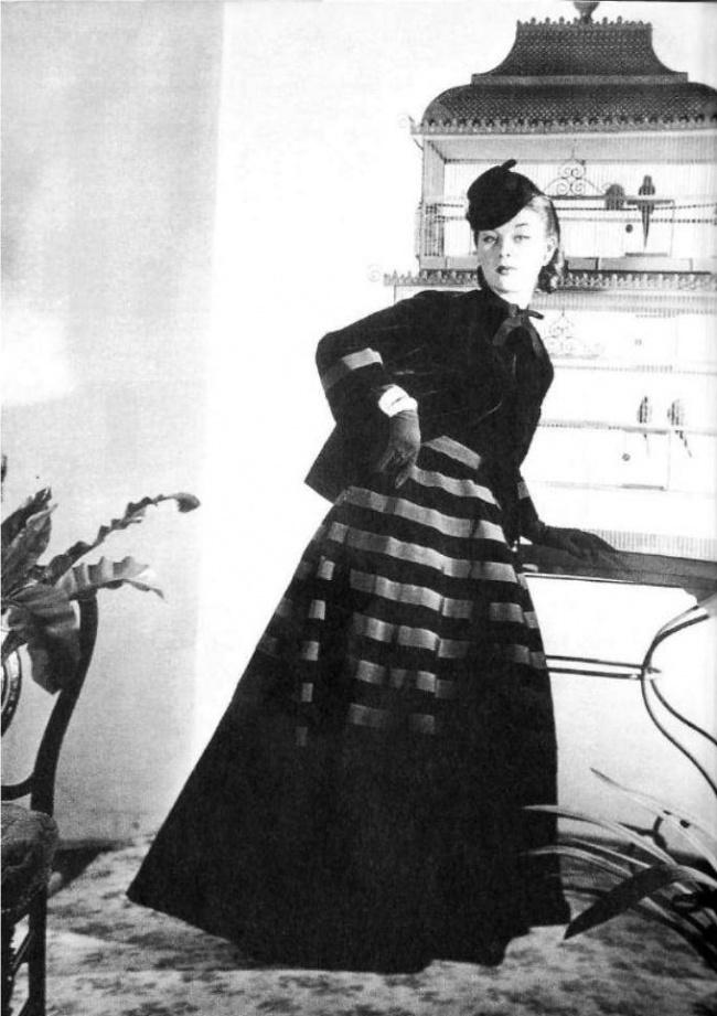 12. Манекенщица Людмила Федосеева, Париж, 1937. Она рекламировала самые поразительные модели платьев