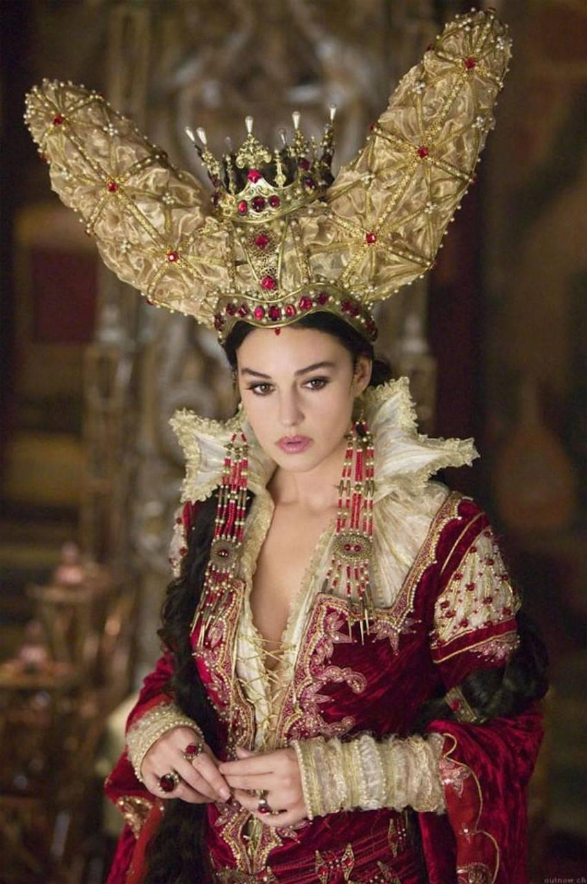 Итальянская актриса в фильме Терри Гиллиама «Братья Гримм», 2005 год.