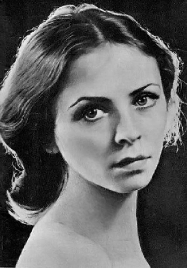 Людмила Семеняка Ученица легендарной Улановой — одна из лучших балерин советского балета. С 2002 год