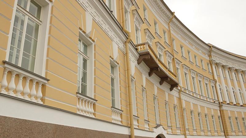 Пиотровский разъяснил обыски вЭрмитаже множеством жуликов