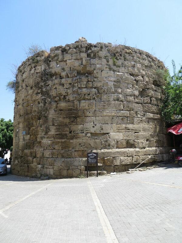 Кирения. Башня (А) городских укреплений