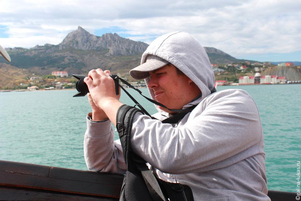 Прогулка на кораблике вдоль Карадага