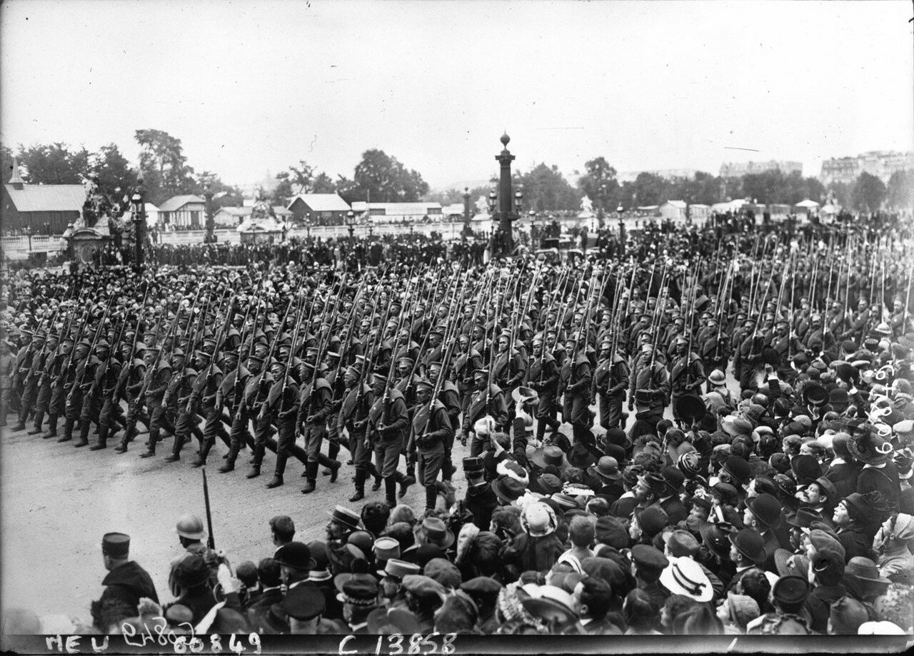 1916. 14 июля. Парад на площади Согласия