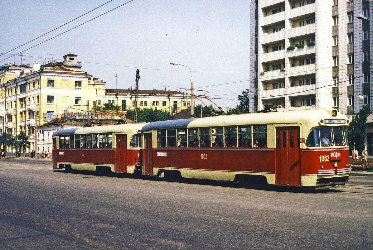 Трамвай на улице Татарстан
