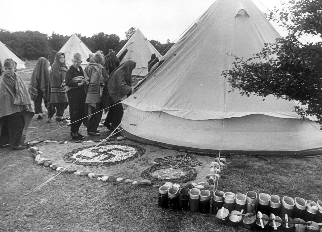 Травемюнде. Подготовка Гитлерюгенд в палаточном лагере