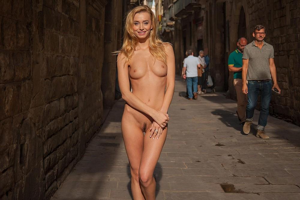 приватных эротическая прогулка по городу машина получилась