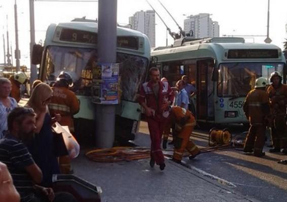 Жара стала предположительной причиной аварии троллейбуса в Минске
