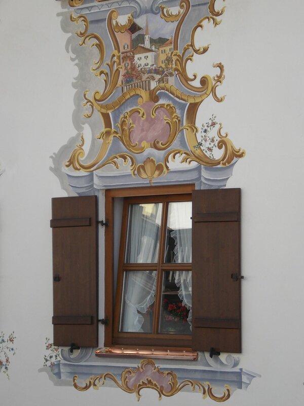 Окно и роспись