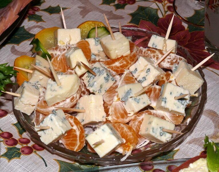 Канапушки с французским сыром
