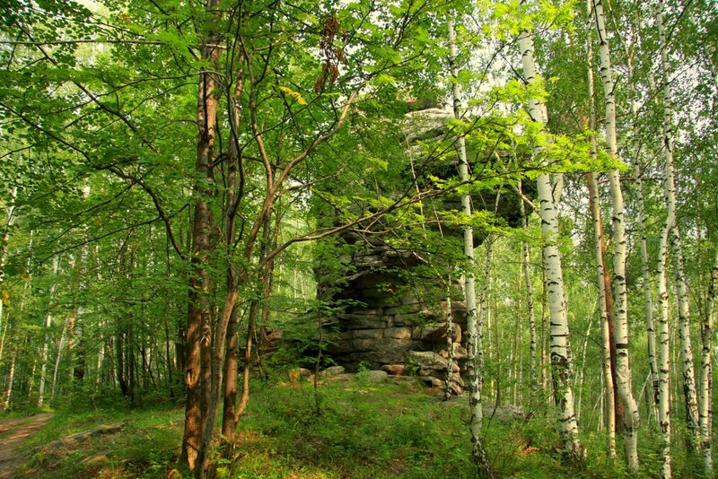 Скалы  горы Семибратской