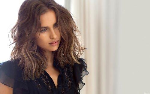 Российская модель Ирина Шейк показала фото без макияжа